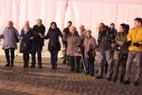 Mieszkańcy kolędowali na rynku w Jaworznie. Otrzymali Betlejemskie Światełko Pokoju [ZDJĘCIA]
