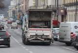 Śmieciarki tarasują kaliskie ulice. Harmonogram wywozu odpadów jednak się nie zmieni
