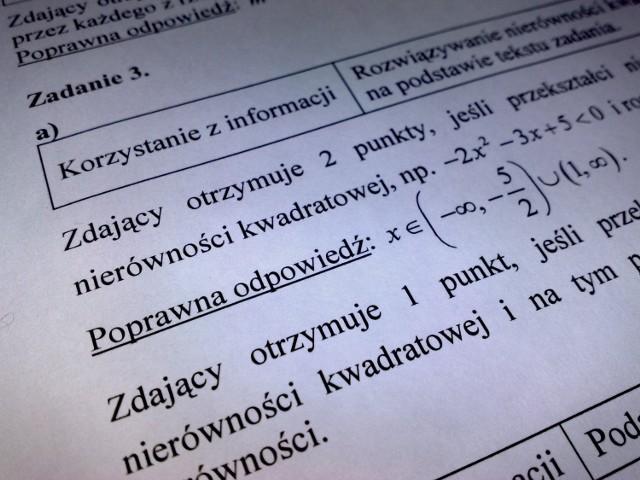 Dzisiejsze zadania egzaminu maturalnego z matematyki rozwiązują uczniowie ostatnich klas szkół średnich.