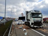 Wypadek na autostradzie A4 w Gliwicach. Zderzyły się ciężarówki i zablokowały przejazd
