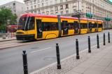 Warszawa. Kolejne zmiany w komunikacji miejskiej. Tramwaje wracają do podstawowych rozkładów jazdy. Autobusy będą jeździć częściej