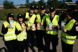 Najmłodsi i licealiści z klasy mundurowej pomagali policjantom w Dąbrowie Górniczej