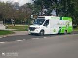 Elektryczny autobus na ulicach Sandomierza. To na razie test, ale... miasto chce kupić takie pojazdy [ZDJĘCIA]