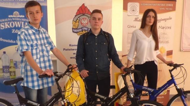 Triumfatorzy - Kamil Skotnicki, Tomasz Dudek i Patrycja Skotnicka odjechali do domów... na rowerach.