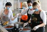 Rybnik: Szkoła na Widelcu zawitała do szkół. Fundacja pokazała, jak gotować smacznie i zdrowo. Zobaczcie!