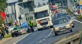 Olkusz. Kolizja na skrzyżowaniu ulicy Kościuszki z DK94. Straż pożarna zabezpieczyła miejsce zdarzenia [ZDJĘCIA]