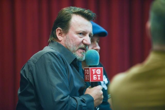 """W Toruniu trwa 17. Międzynarodowy Festiwal Filmowy Tofifest. W środę z publicznością spotkał się aktor Robert Więckiewicz, odtwórca jednej z ról w filmie """"Ukryta gra"""". który widzowie festiwalu mieli okazję zobaczyć.    Zobacz też: 112 lat temu na Chełmionkę ruszyły tramwaje  NowosciTorun"""