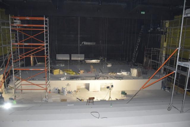 Wciąż trwa remont i przebudowa CKiS w Skierniewicach
