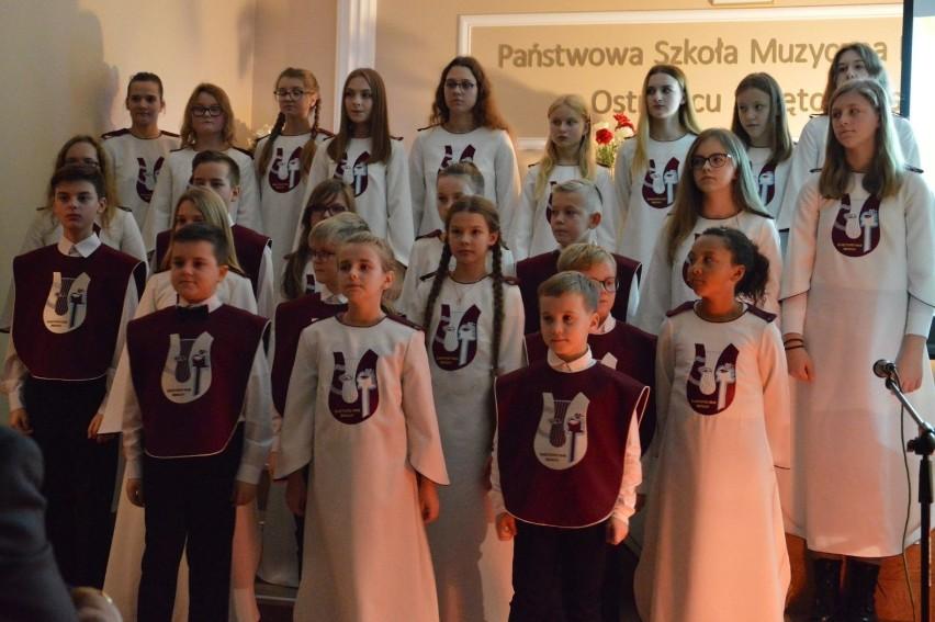 W Państwowej Szkole Muzycznej I stopnia w Ostrowcu...