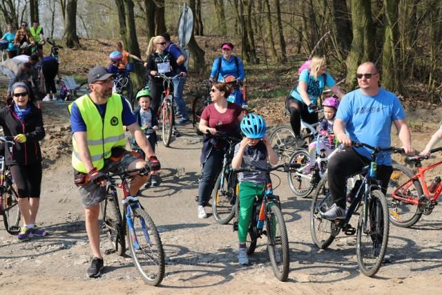 Druga porcja zdjęć z niebieskiego rajdu rowerowego podczas akcji Gubin na Niebiesko dla Autyzmu.