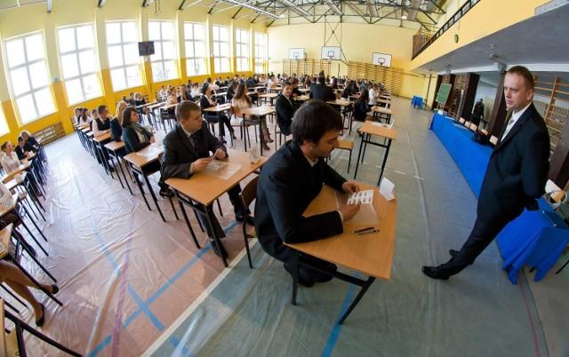 Prawie 87 tys. maturzystów zasiądzie dziś przed arkuszami z geografii