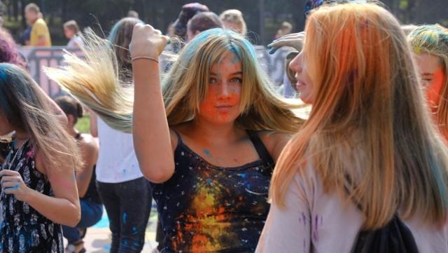 Festiwal Kolorów odbył się w niedzielę. 13 września, w parku miejskim w centrum Bytomia