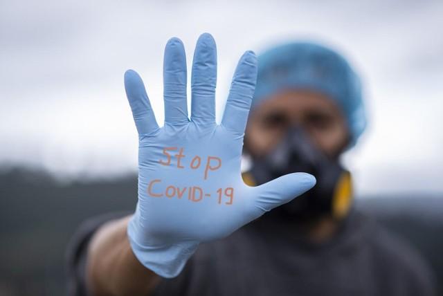 Dane statystyczne dotyczące pandemii koronawirusa w środę, 22 września 2021 roku.
