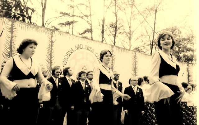 Wyjątkowe zdjęcia Stanisława Straszkiewicza przedstawiające Wiosnę nad Nysą w Gubinie w 1978 roku.