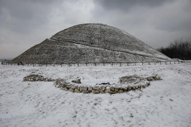 Zima w Krakowie po opadach śniegu w środę 27 stycznia