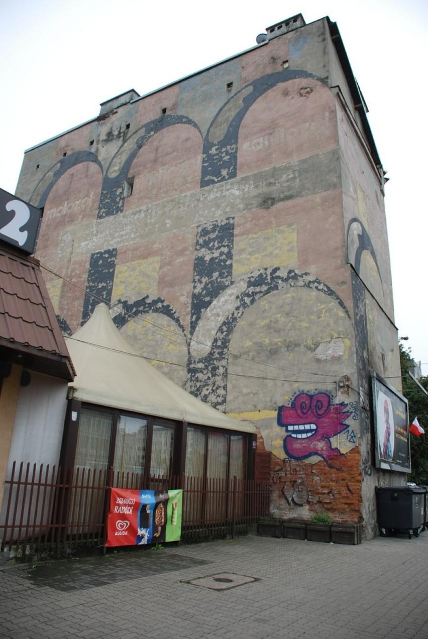 Praski mural trafił do rejestru zabytków. Malowidło z lat 70. jest reklamą produktów biobójczych