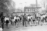 Majówka w Gubinie kiedyś. Oto pochody 1-majowe sprzed nawet 50 lat! Zobaczcie jak wyglądały na starych zdjęciach