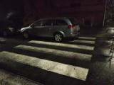 Malbork. Parkowanie na przejściu dziwi i ma prawo denerwować pieszych