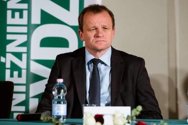 """Zbigniew Dolata o zebranych osobach pod swoim biurem: """"Przypominają małpy w ZOO"""""""