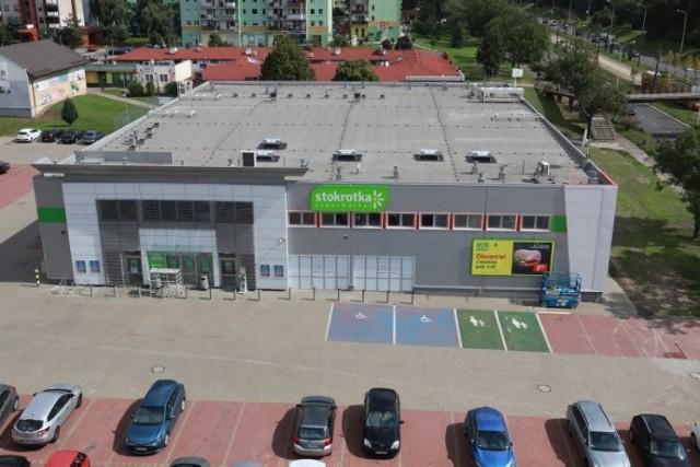 Nowa Stokrotka mieści się przy al. Wyszyńskiego 73 i zostanie otwarta 2 września 2021.