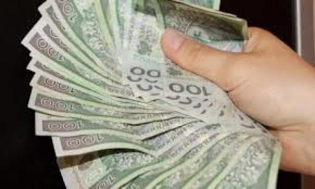 Oszust wyłudził 10 tys. zł