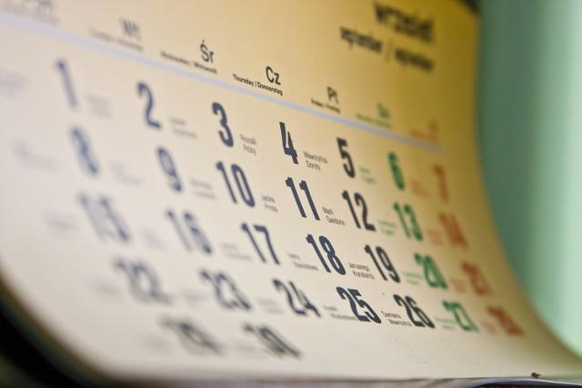 Kartka z kalendarza: Wydarzenia z 19 listopada