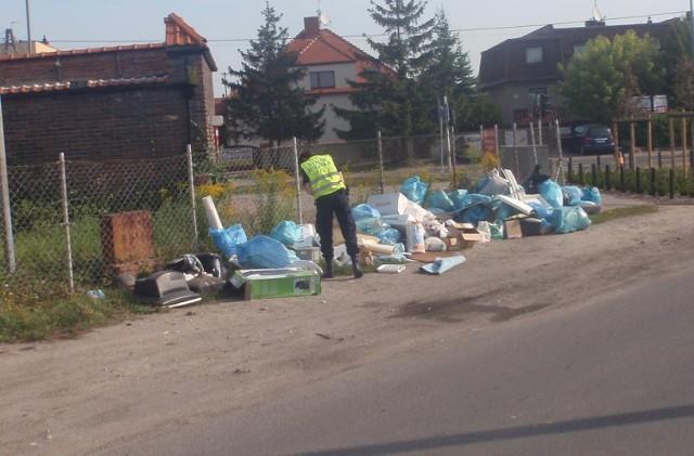 Góra śmieci na Podolanach. Straż Miejska szuka winnych