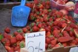 Ile za truskawki w Kościerzynie? Tyle kosztują warzywa i owoce w naszym mieście!