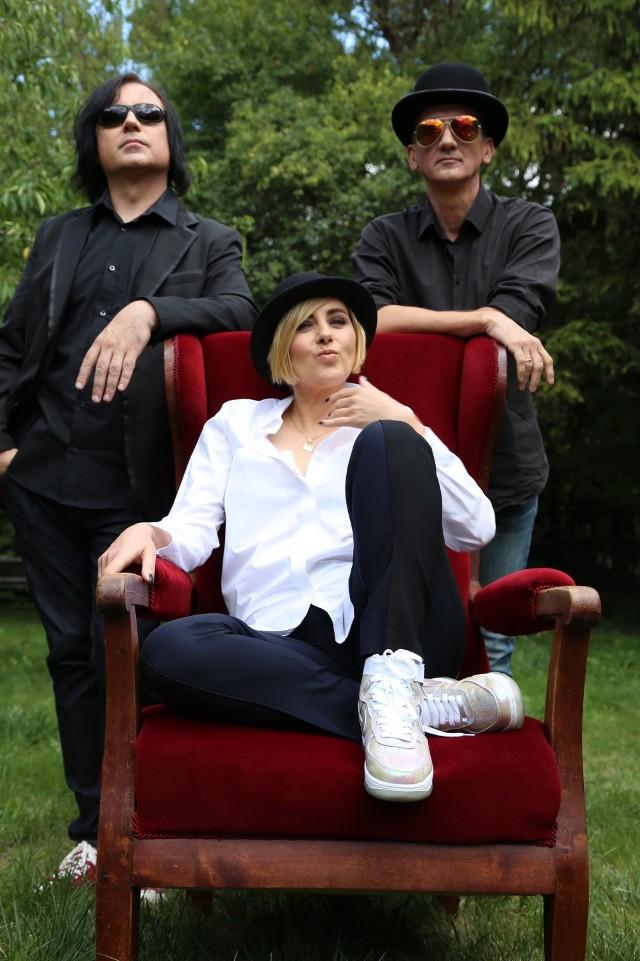 Edyta Bartosiewicz i Acoustic Trio