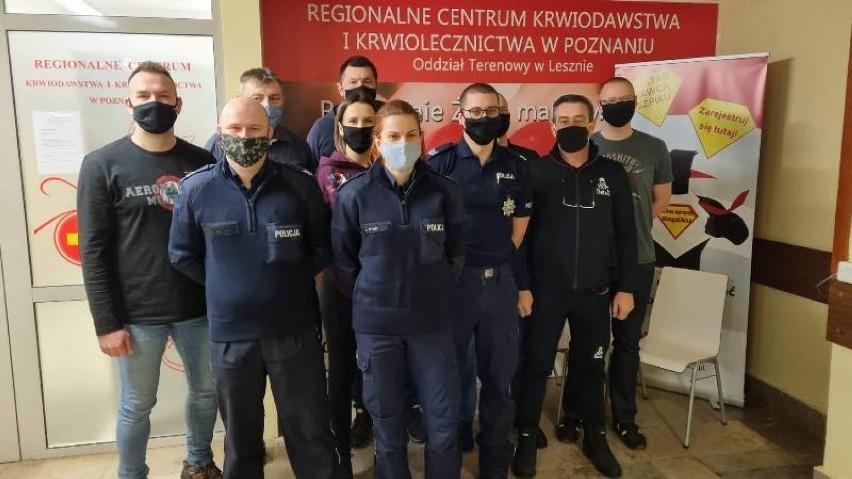 Gostyń. Policjanci i pracownicy cywilni z gostyńskiej komendy policji oddali krew i osocze potrzebującym [ZDJĘCIA]