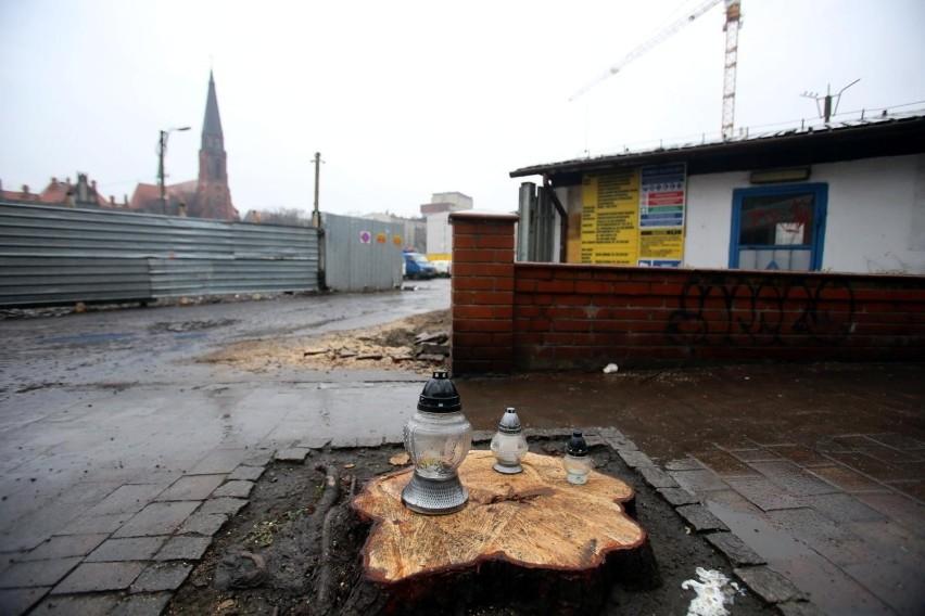Katowice, rok 2019. Deweloper chce w związku z budową...
