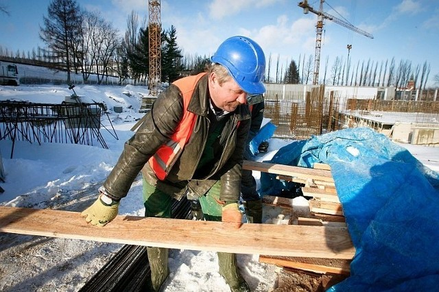 Wielki mróz i opady śniegu mogą opóźnić budowę kompleksu Aqua-Zdrój w Wałbrzychu