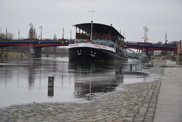 W poniedziałek 1 marca rano stan wody w Warcie wynosił 340 cm. Przez ostatnie 11 dni woda podniosła się aż o 46 cm.
