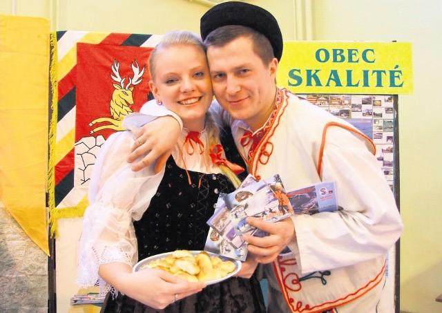 Słowacy ze Skalitego promują swoją gminę w Rajczy.