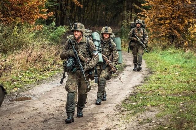 """Wojsko chce przeszkolić na stopień kaprala 428 osoby, które zgłoszą się do Komend Uzupełnień wprost z """"cywila"""".  Czytaj dalej --->"""