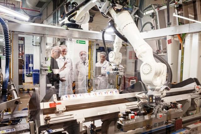 Beiersdorf Manufacturing, właściciel marki kosmetycznej Nivea przedstawił plany rozbudowy zakładu w Poznaniu przy ul. Gnieźnieńskiej. Hale mają być nowoczesne, produkcja przyjazna środowisku, a sama fabryka w Poznaniu ma się stać strategicznym centrum produkcyjnym specjalizującym się w wytwarzaniu innowacji. Inwestycja będzie kosztować 700 mln złotych