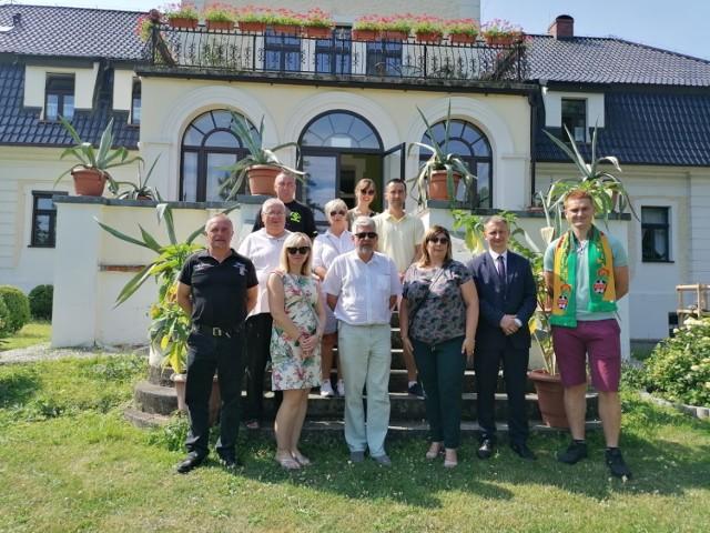 Komisja jest już po pierwszych wizytacjach zgłoszonych wsi i projektów.
