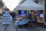 Mikołajkowy jarmark w III Alei Najświętszej Maryi Panny. Co można kupić ZDJĘCIA