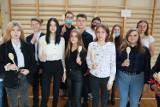 Klasy pierwsze ślubowały - w Dniu Edukacji Narodowej w łódzkich szkołach odbyły się tradycyjne uroczystości, ale nie we wszystkich...