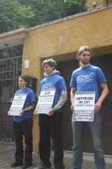 Protestowali w obronie osób walczących o prawa zwierząt