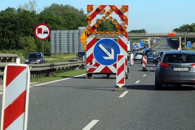 Ważna informacja dla kierowców samochodów ciężarowych! Do końca czerwca zamknięty będzie również parking przy PPO Karwiany.  Przejdź dalej przy pomocy strzałek lub gestów na ekranie.