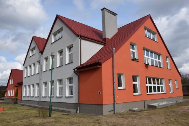 Tuż obok DK20 w Drzonowie znajduje się szkoła podstawowa