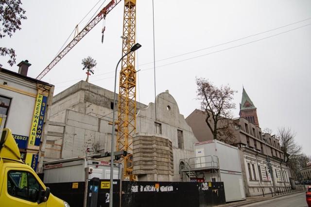 Na budynku, w którym swoją siedzibę będzie miał Teatr KTO pojawiła się wiecha