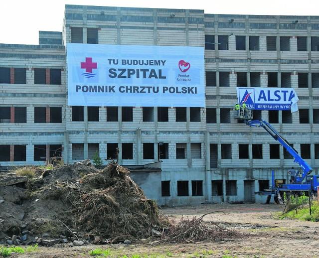 Kilkanaście milionów złotych ze środków zewnętrznych może otrzymać gnieźnieński szpital na rozbudowę nowego skrzydła.