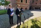Gdańscy radni PiS zarzucają władzom miasta utrudnianie pracy radnych. Rzecznik prezydent Gdańska odpowiada na zarzuty