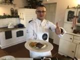 Gotowaliśmy w pałacu w Orli. Tym razem na stole królował stek z polędwicy wołowej i puree z topinamburu z dodatkiem mleka [ZDJĘCIA]