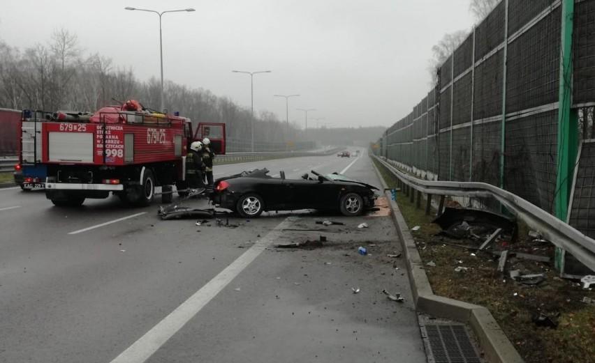 Wypadek na DTŚ w Zabrzu. Jedna osoba trafiła do szpitala ZDJĘCIA