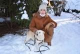 Tarnów. Stewardessa z Tarnowa odmieniła życie psa porzuconego w Kosowie. Suczka Mela u Dominiki odnalazła szczęście [ZDJĘCIA]