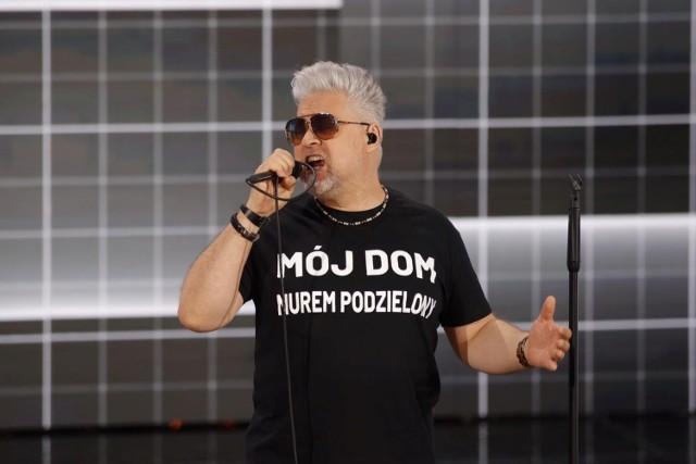 Opole 2021. Artur Gadowski z IRA w koszulce z politycznym napisem? Realizator go unikał