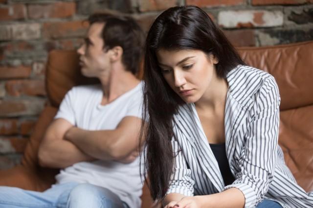 Jeśli małżeństwo funkcjonuje prawidłowo, to wspólne pożycie małżonków polega na więzi małżonków w trzech aspektach: duchowym, fizycznym i gospodarczym. Gdy dochodzi do zerwania tych więzi, następuje zupełny rozkład pożycia małżeńskiego.